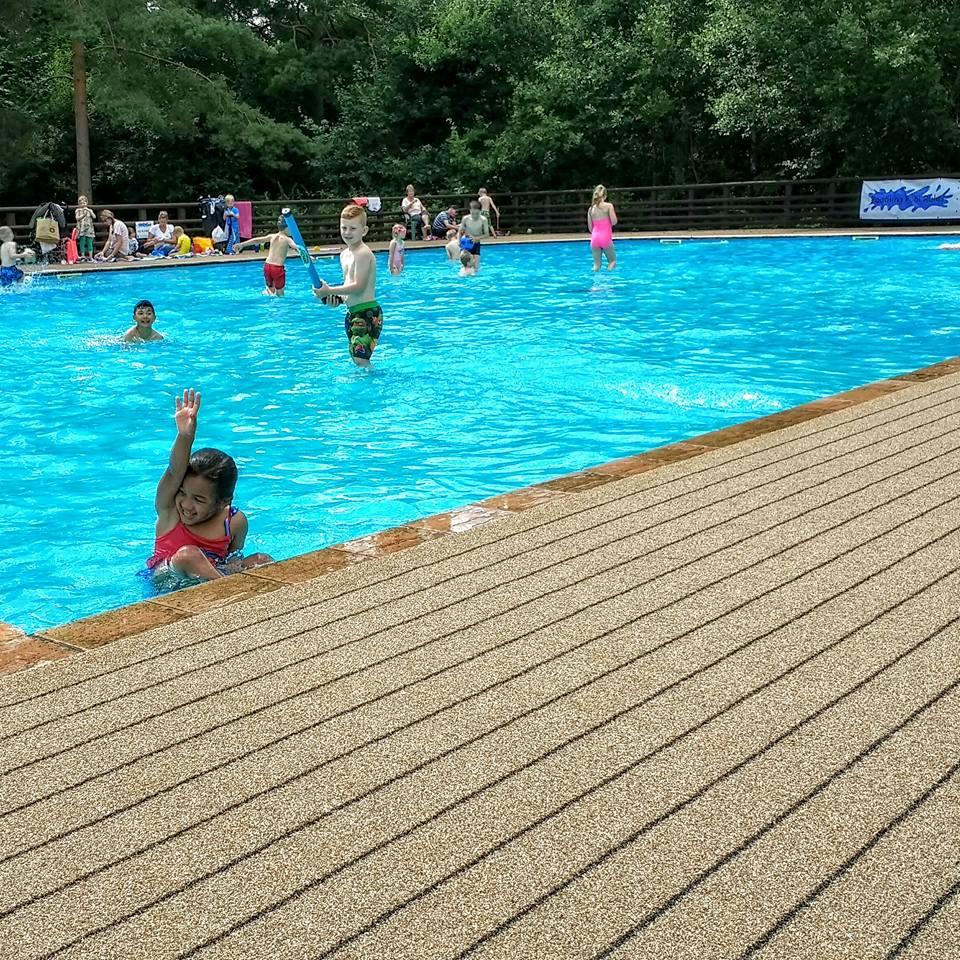 touring park swimming pool